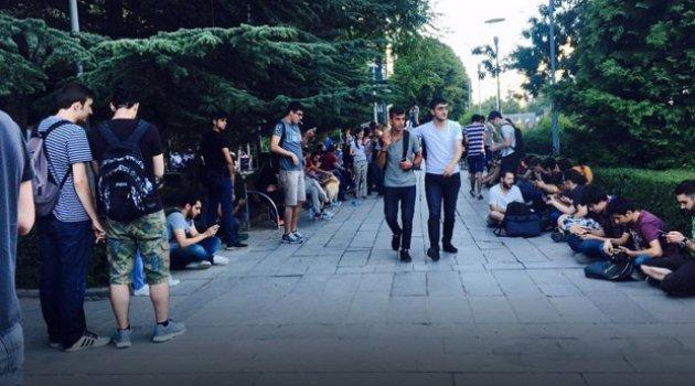 Ankara Kızılay meydanında Pokemon Go çılgınlığı