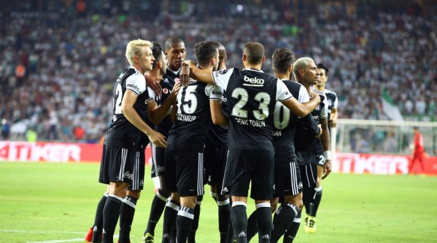 Beşiktaş ile Konyaspor 2-2 berabere kaldı.