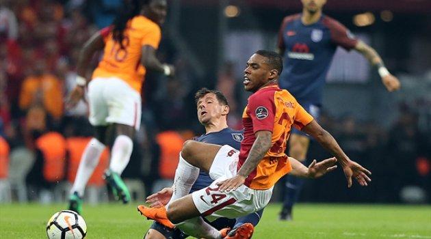 Galatasaray Başakşehir'i 2-0 yendi LİDER oldu
