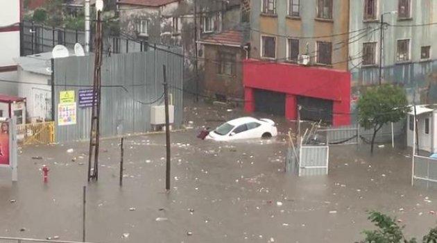 İstanbul'da fırtına ve yagış