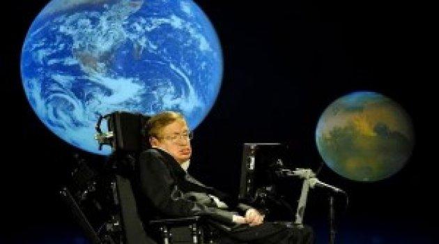 Stephen Hawking'den kafa karıştıran iddia: Uzaylılar bizi takmıyor