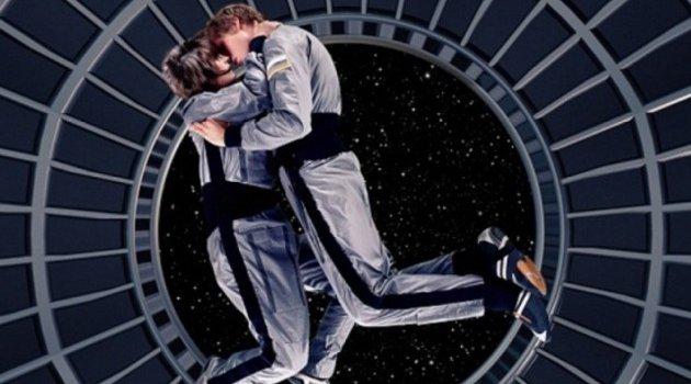 NASA'da astronotlar seks yapabilir endişesi haremlik selamlık gündeme gelir mi