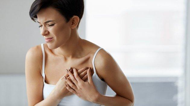 Panik atak mı kalp krizi mi?Panik atak sırasında ilk yardım nasıl olmalı?