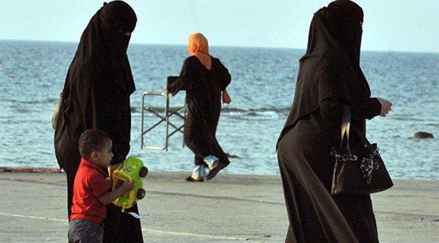 Rezalet! Din adamı tecavüz olaylarından kadınları sorumlu tuttu