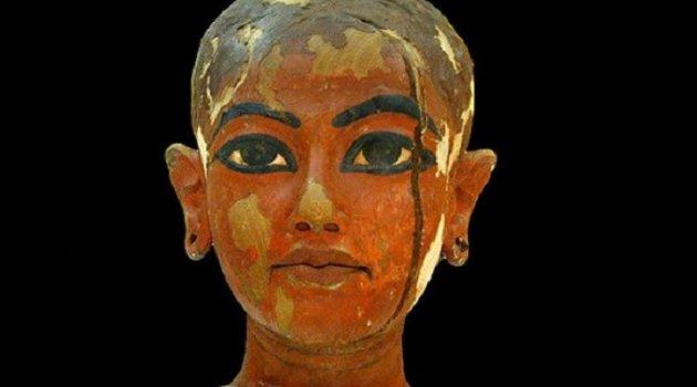 Sırrı bugün bile çözülemedi! Mezarına dokunan herkesi lanetleyen firavun