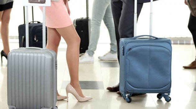 Şoke eden seks araştırması: Havaalanında bir ceketin altında…