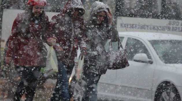 Son dakik; İstanbul'da kar yağışı için saat verildi...