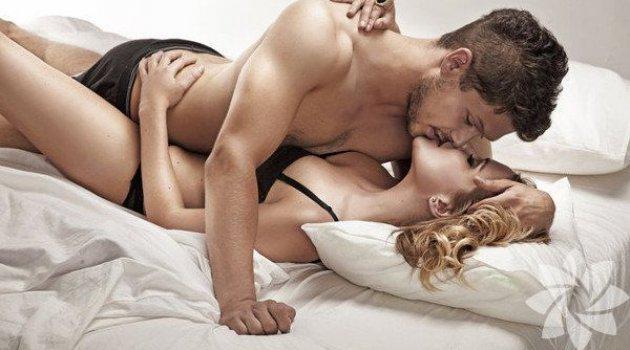 Squirting nedir kadınların orgazm anında fışkırttığı sıvı...