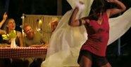 Survivor'da Sabriye'nin seksi dansı şaşırttı!VİDEO