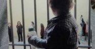 Kaç yaşında kaç çocuk cezaevinde annesiyle