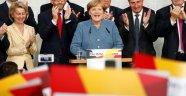 Almanya'da ilk sonuçlar: Hükümet ortaklarının oyu düştü, aşırı sağcı AfD 3. parti
