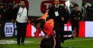 Avni Aker'de maç tatildi