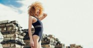 Azerbaycanlı model, bekaretini satışa çıkardı