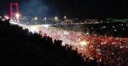Binlerce kişi köprüye akın etti!