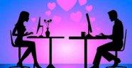 """Facebook'ta """"ilişki seçeneği"""" ilişkileri nasıl etkiliyor?"""