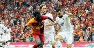 Galatasaray dibe vurdu! Tarihi leke