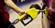 """""""Hükümet, ulusal petrol stoğunun yarısını satıyor"""" iddiası"""