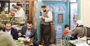 İSTANBUL'DA SURİYELİLERİN MÜLTECİ LEZZETLERİ