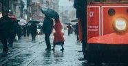 İstanbullulara fırtına ve sağanak yağmur uyarısı