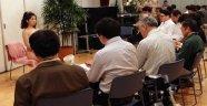 Japonya'da 30 Yaş Üstü Bakir Erkeklere Kadın Vücudu Dersleri Veriliyor