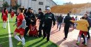 Kadın futbolcular kavga etti, maç tatil edildi