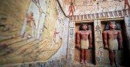 Kehanet uyarısına rağmen açılan Mısır lahiti sosyal medyayı karıştırdı