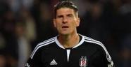 Mario Gomez Beşiktaş'a veda ediyor