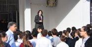 Okulda Andımızı Okumak İsteyen Öğrencilere Müdürden Tepki