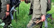 PKK o karayolunu kesip tırları ateşe verdi