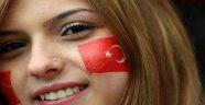 """""""Türk Kızının Asıl Sorunu"""" Hakkında Yazılmış En Sert Yazı"""