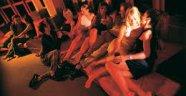 Yandaş Yeni Akit gazetesi: Ahiret hayatında Swinger (eş değiştirme) vaad ediliyor