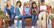 Yeni nesil gençlik telefon bağımlısı!