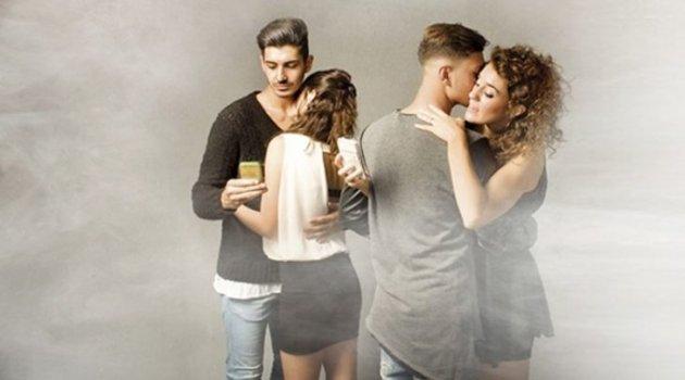 Türkiye'deki eş değiştirme partilerinde neler yaşanıyor?