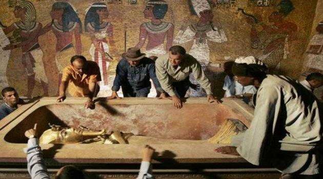 Tutankamon'un Ziyaretçileri Niçin Ölüyor?