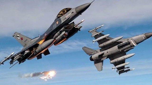 Afrin harekatı başladı! Türk savaş jetleri PYD'yi bombalıyor