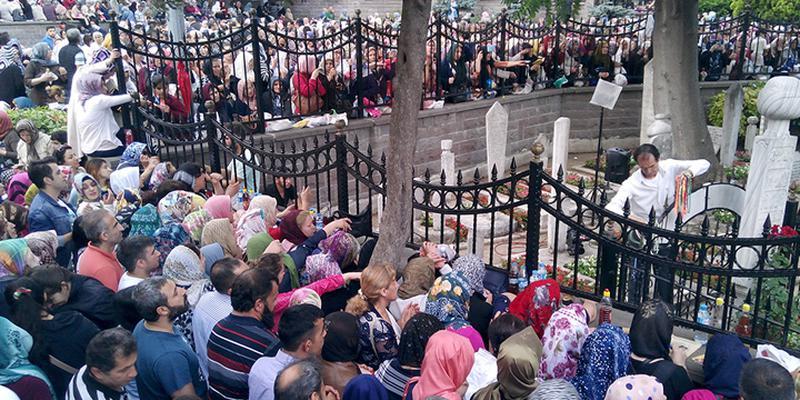 Ramazan'da en çok ziyaret edilen türbeler