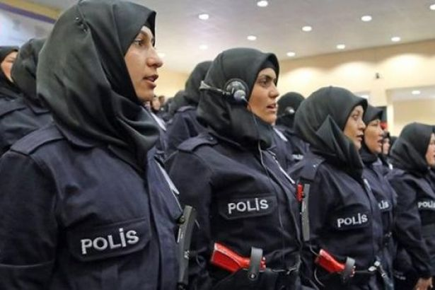 Yine toplumun sinir uçlarıyla oynuyorlar türbanlı polis, Abdülhamid nereden çıktı