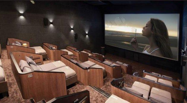 Yatarak film izlemek Sinema salonlarında